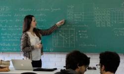 A IMPORTÂNCIA DO PROFESSOR NA SOCIEDADE CONTEMPORÂNEA