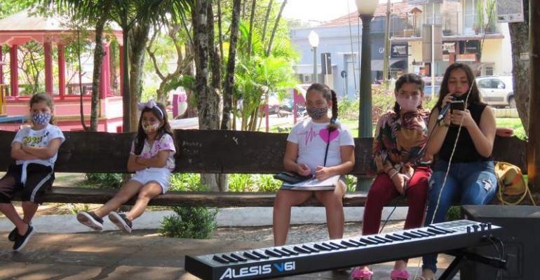 Cultura promove ensaios musicais e artísticos na Praça Rui Barbosa