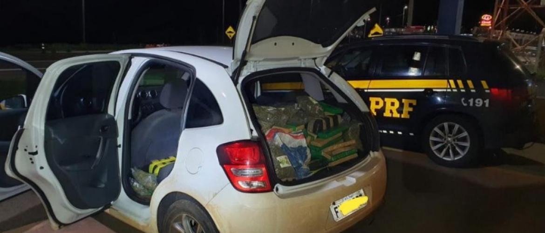 PRF apreende carregamento de maconha em Jacarezinho
