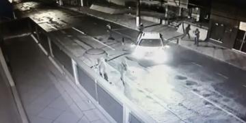 Possível carro usado em tentativa de arrombamento à banco em Andirá é encontrado