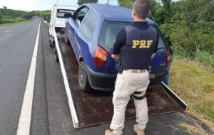 PRF recupera veículo com registro de furto em Santo Antônio da Platina