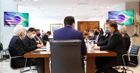 Paraná oficializa pedido para se tornar central de emissão de vistos para os EUA