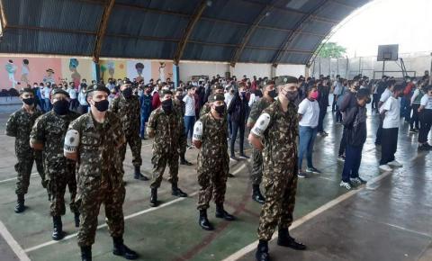 TG 05-007 realiza apresentação no Colégio Cívico-Militar José Pavan, em Jacarezinho