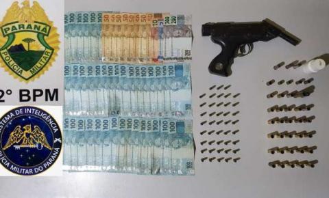 Homem é preso por venda de armas e receptação em Jacarezinho