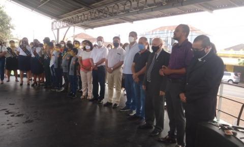 Ato cívico marca comemoração dos 97 anos de Cambará