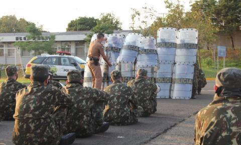 Atiradores do TG 05-007 de Jacarezinho recebem instrução no 2º BPM
