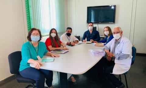 19ª Regional de Saúde e Santa Casa de Jacarezinho tratam sobre cirurgias eletivas