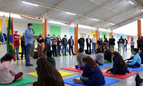 LONDRINA: Prefeito inaugura escola no Residencial Acquaville que vai atender mil alunos
