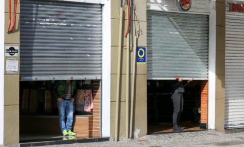 Em carta aberta, associações se posicionam contra o fechamento do comércio no Paraná