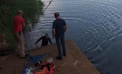 Bombeiros de Jacarezinho retomam as buscas pelo jovem desaparecido nas águas do rio Paranapanema