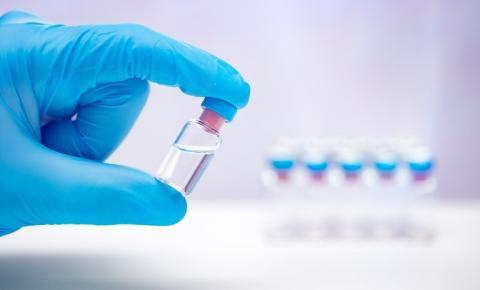 Fiocruz e AstraZeneca assinam documento para produção de vacina