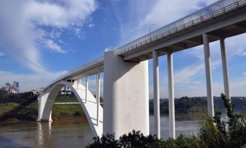 Brasil reabre fronteira com Paraguai