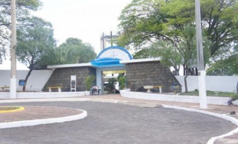 Decreto autoriza comércio ambulante de finados em Jacarezinho