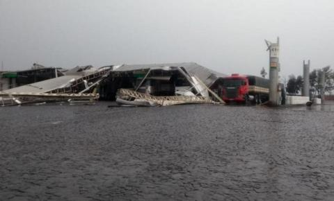 Vendaval destrói cobertura de posto de combustíveis em Wenceslau Braz