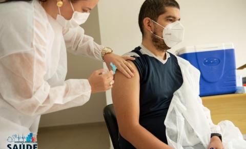 Carlópolis dá início a vacinação contra Covid-19