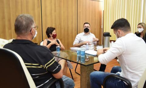 UENP busca apoio da Prefeitura de Jacarezinho para construção da Clínica de Fisioterapia