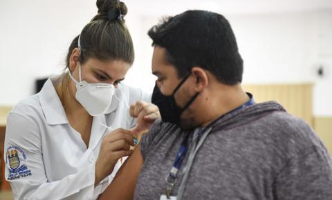 Curso de Enfermagem da UENP atua na vacinação contra a Covid-19 em Bandeirantes