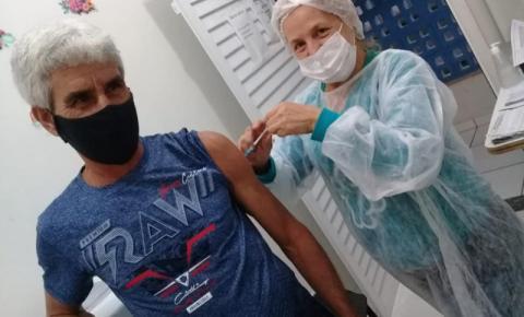 Mais de 29% da população de Jacarezinho já tomou pelo menos uma dose da vacina contra Covid-19