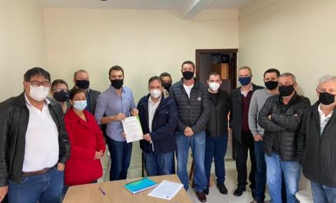 Prefeito Dr. Antonely assina ordem de serviço para início das obras de reforma e ampliação do Hospital Municipal de Ibaiti