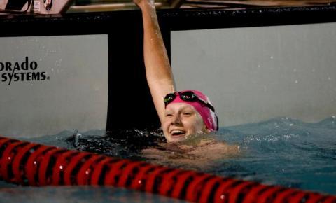 Stephanie Balduccini, mais jovem nadadora olímpica do país em 41 anos