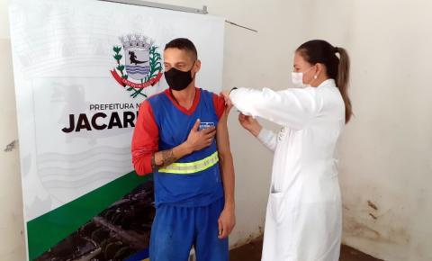 Jacarezinho bate marca de 20 mil vacinas aplicadas