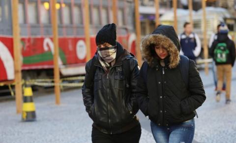 Massa de ar polar derruba a temperatura em todas as regiões do Paraná