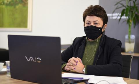 Reitora da UENP participa de audiência pública sobre metas e diretrizes da CAPES