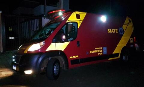 """Menino de 13 anos fica ferido após pegar """"rabeira"""" em caminhão e sofrer acidente"""