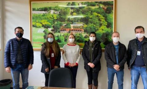 Equipe da 19ª Regional de Saúde conhece ambulatório de feridas em Bandeirantes