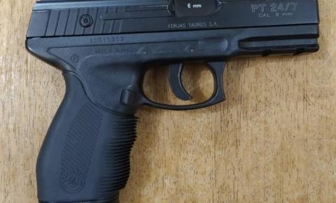 Rotam prende rapaz que fazia ameaças com simulacro de pistola